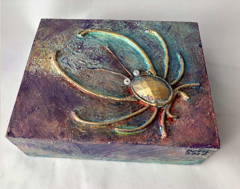 Elegant Crab