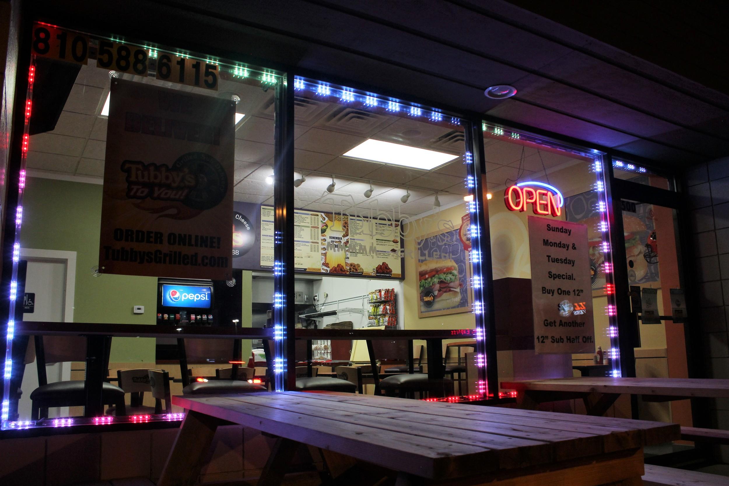 Tubby's Window Lighting