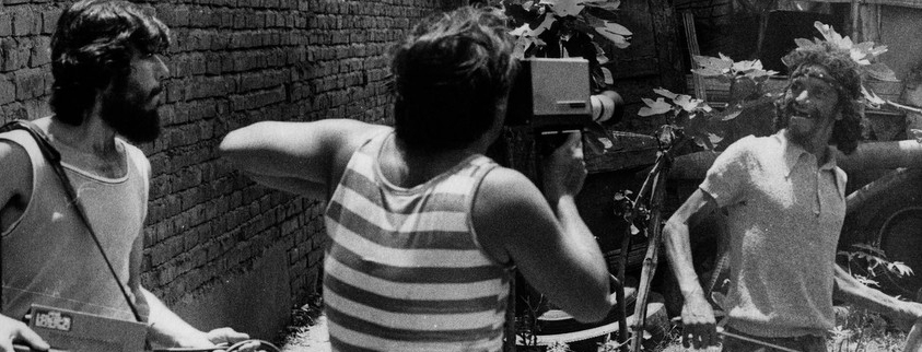 """'Under the Same Stars'    AGARRANDO PUEBLO / THE VAMPIRES OF POVERTY  (Luis Ospina and Carlos Mayolo, Colombia, 1978, 27 min. In Spanish with English subtitles)  ESTRELLAS / STARS   (Federico León and Marcos Martínez, Argentina, 2007, 64 min. In Spanish with English subtitles)  'Under the Same Stars' offers a humorous meditation on the portrayal of poverty in Latin America, and the ways the poor are manipulated by the local and transnational media. Luis Ospina and Carlos Mayolo's 1978 classic  Agarrando Pueblo is a scathing satire of what they characterized as """"poverty-porn,"""" while Federico León and Marcos Martínez's documentary feature  Stars follows a group of residents from a shantytown in the outskirts of Buenos Aires who find professional careers playing poor people in film and television productions.   Friday, August 15"""