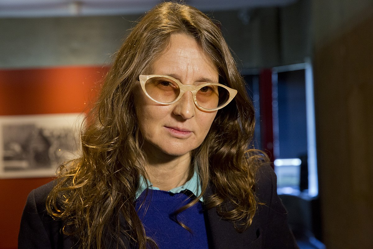 1200px-Lucrecia_Martel_at_the_presentation_of_the_Audioteca_at_the_National_Library,_2015.jpg