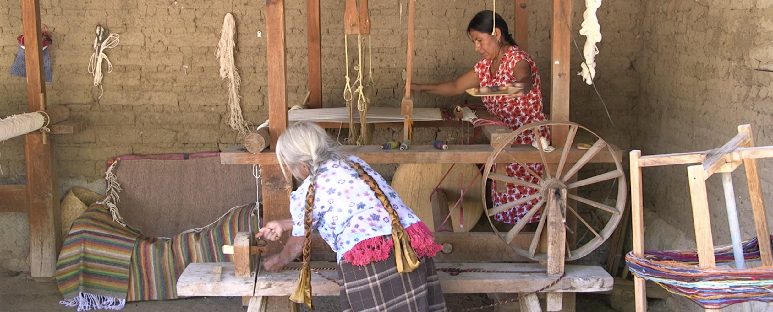 REFUSING TO LET GO / DUXH BENIGULUN  (Teresa Martinez Chavez, Mexico, 2019, 19 min.)  Director in Attendance   An 88-year-old Zapotec weaver in a small town in Mexico, Dona Rachel struggles with memory loss. See how her weaving lessons spark her memory and strengthen family relationships while passing down cultural legacy.  Plays in the    Emerging Visual Anthropologists Showcase   .    Saturday, October 19, 11:30am