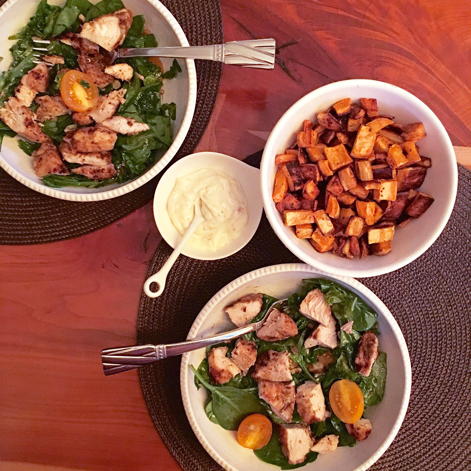 GRILLED CHICKEN SALAD WITH ROASTED POTATOES AND A ROASTED GARLIC AIOLI DIP