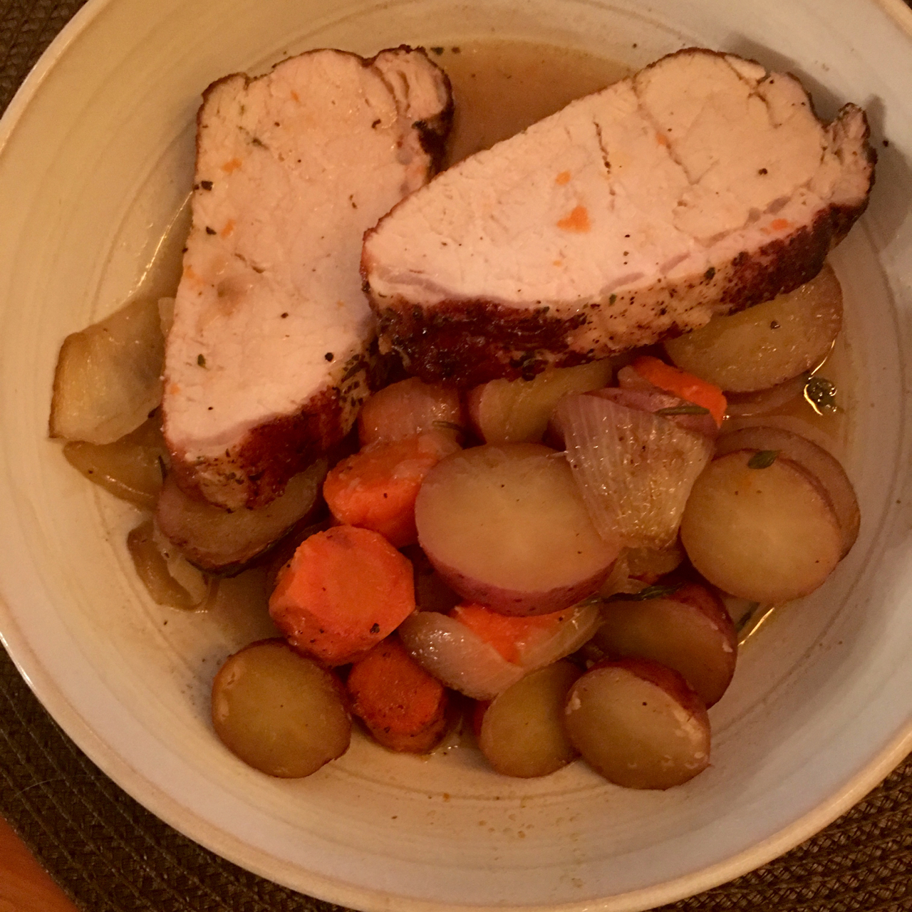 PORK TENDERLOIN WITH ROASTED POTATOES, CARROTS AND ONIONS