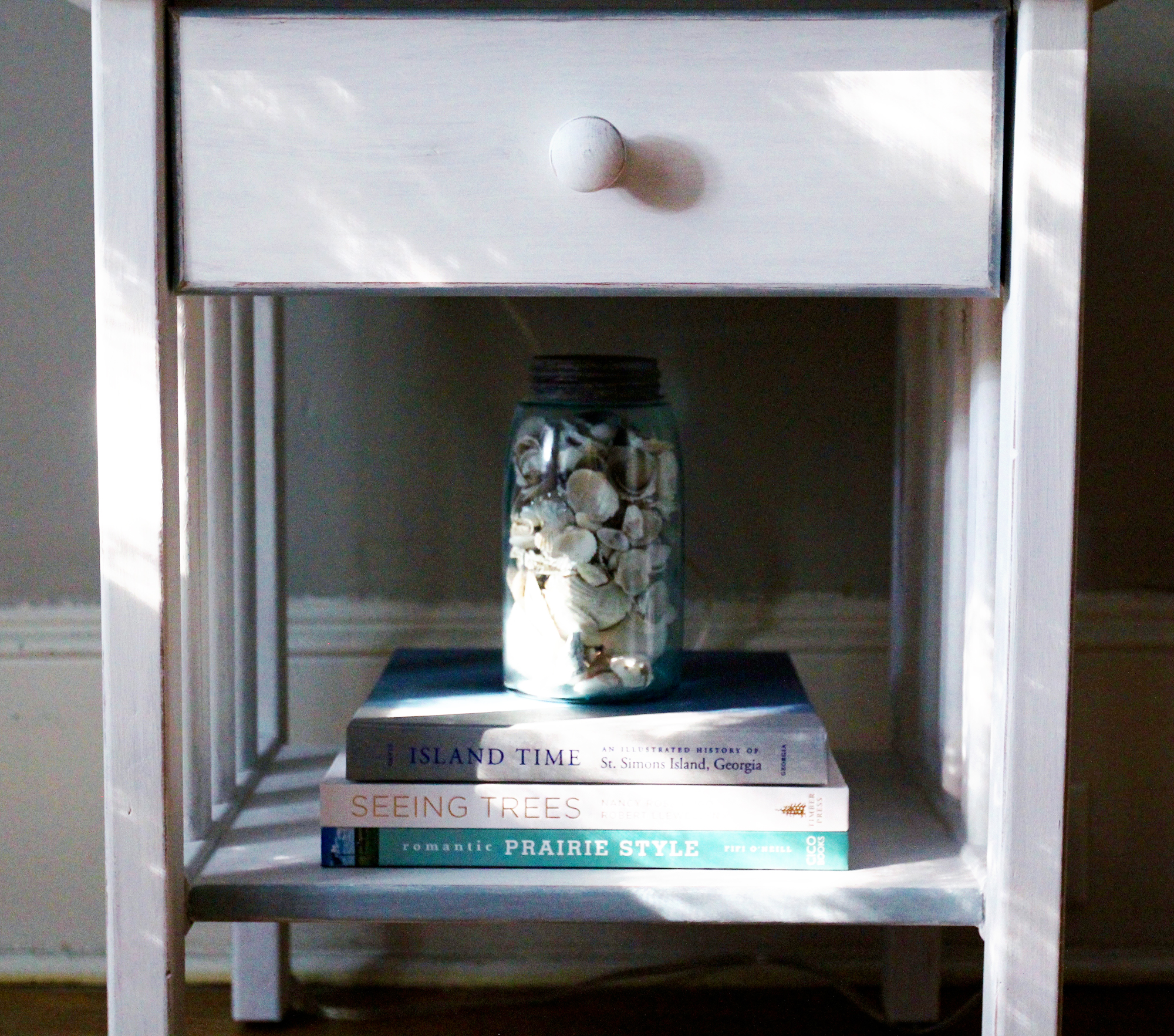 jo-torrijos-a-simpler-design-annie-sloan-pure-white-gray-trim-nightstand-atlanta-painted-furniture-7.jpg