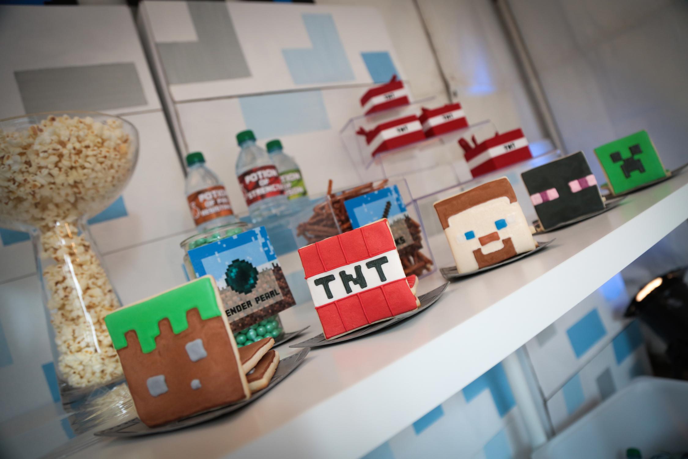 tarynco-events-minecraft-kids-birthday-party-snackbar (4).jpg