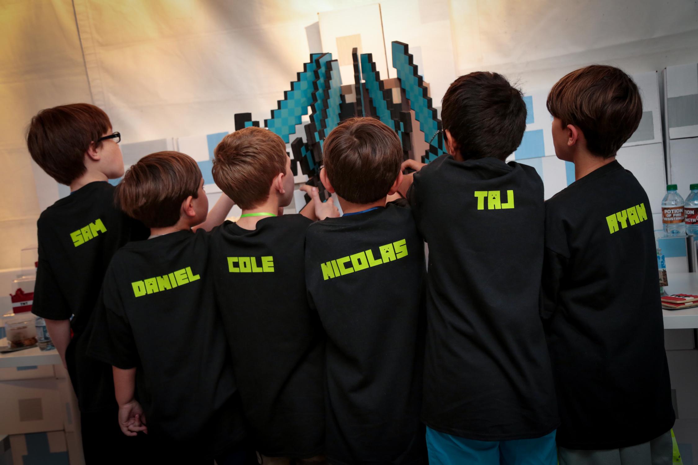 tarynco-minecraft-kids-birthday-party-favors-fun.jpg