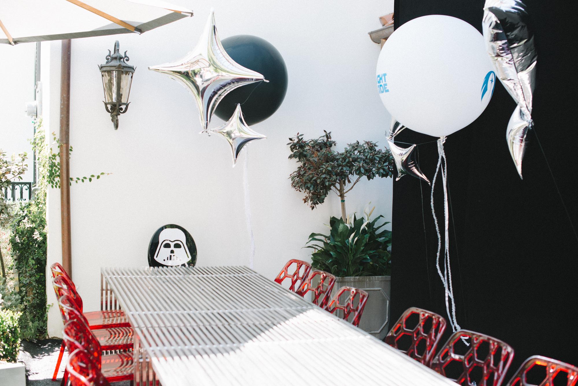 tarynco-events-starwars-kids-birthday-party-darthvader-decor.jpg