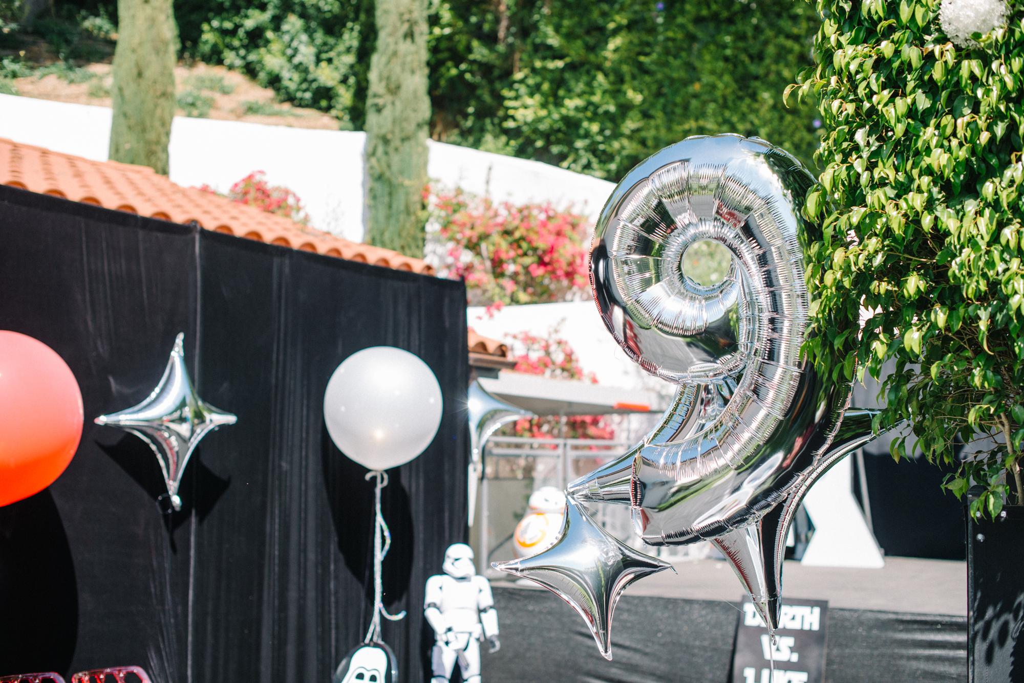 tarynco-events-starwars-themed-kids-birthday-party-balloon-decor.jpg