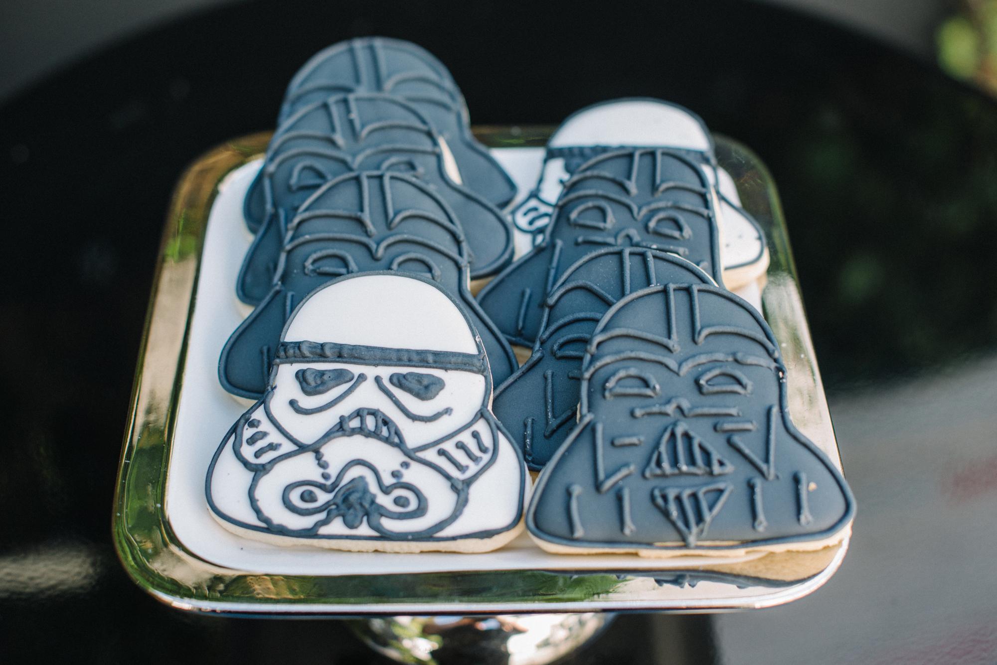 tarynco-events-starwars-themed-kids-birthday-party-darthvader-cookies.jpg