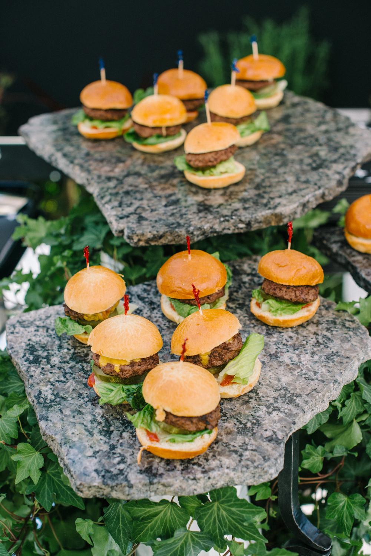 tarynco-events-starwars-themed-kids-birthday-party-mini-hanburgers.jpg