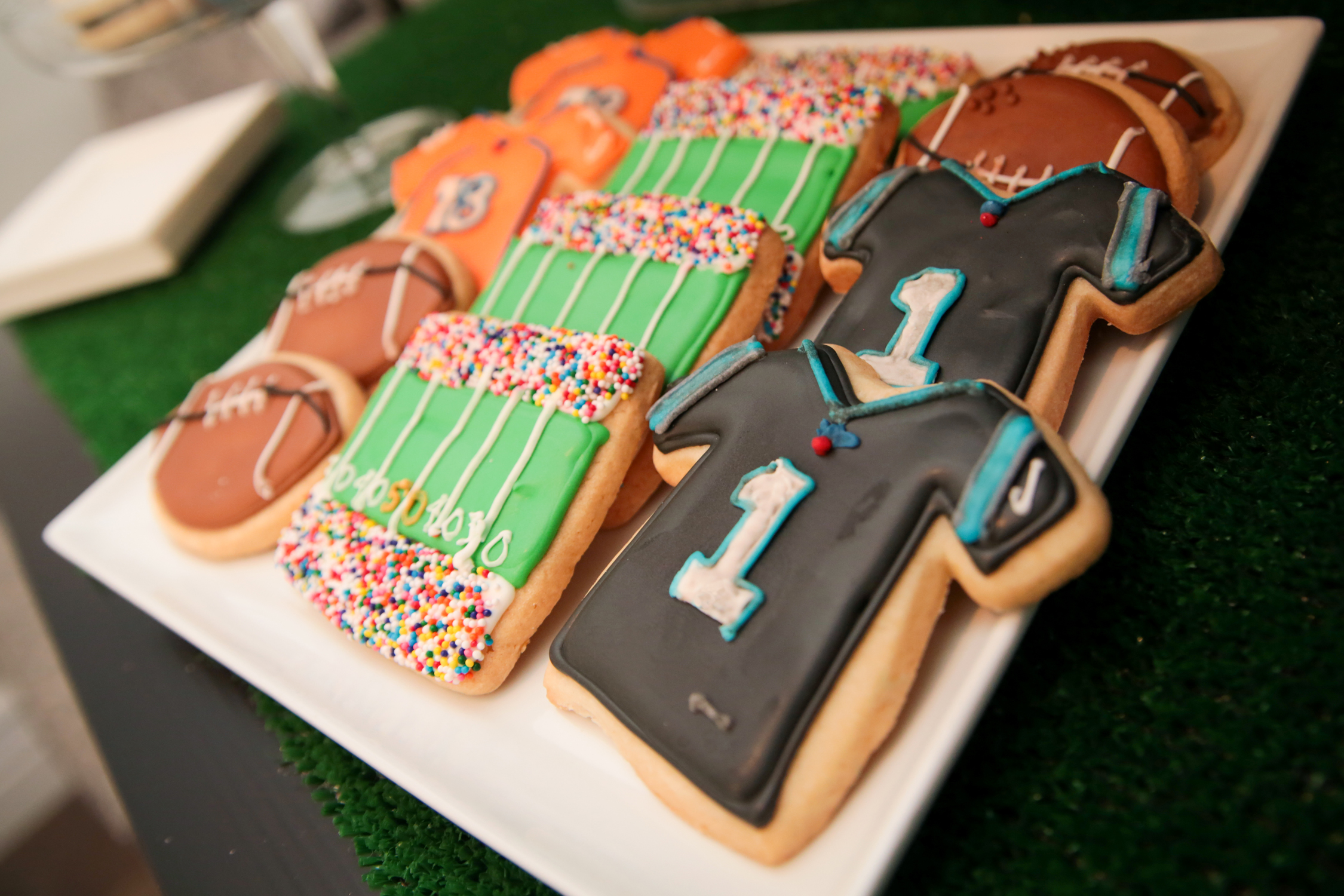 tarynco-superbowl-party-cookies.jpg