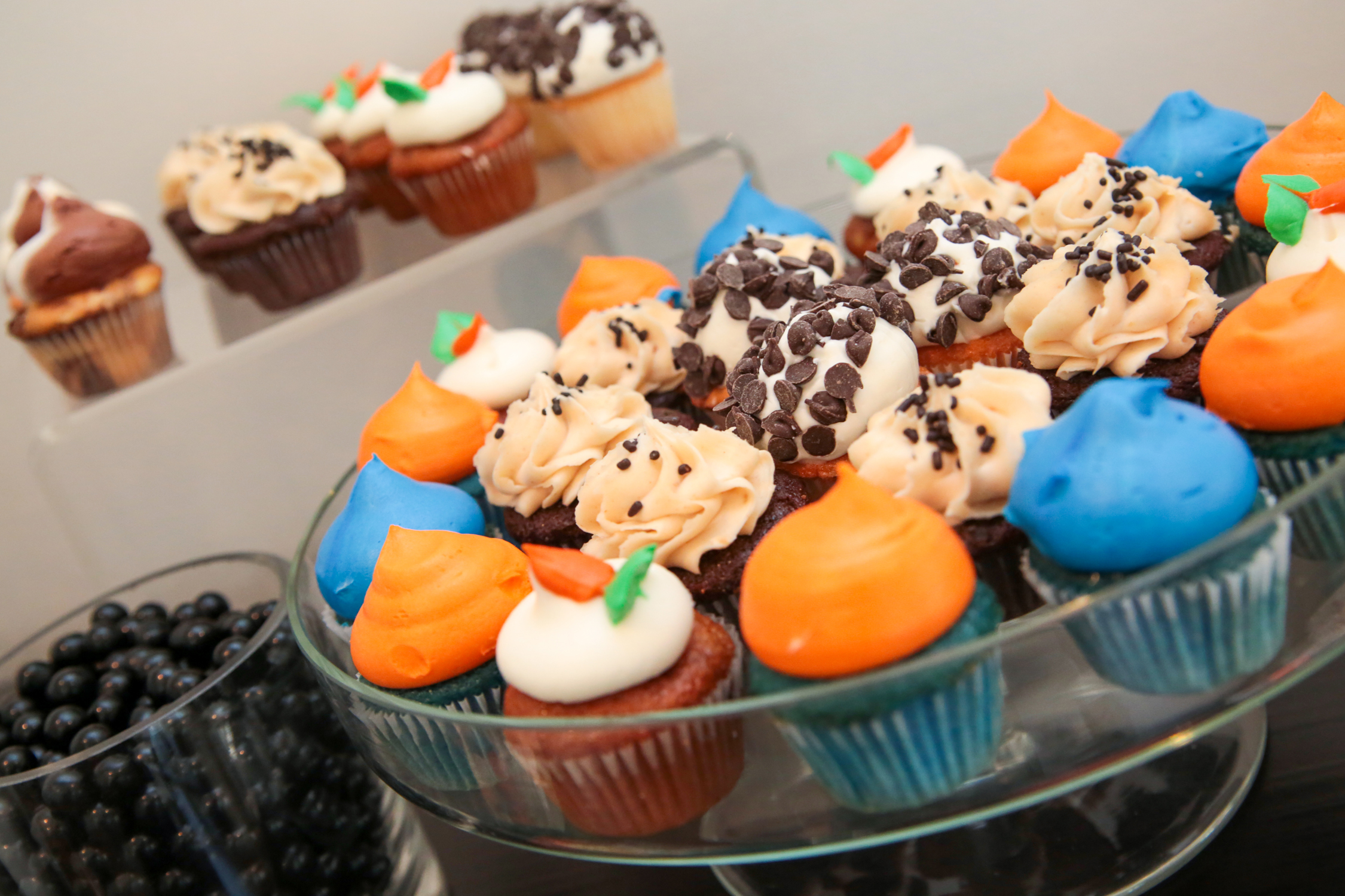 tarynco-football-themed-dessertbar-party-event-minicupcakes.jpg