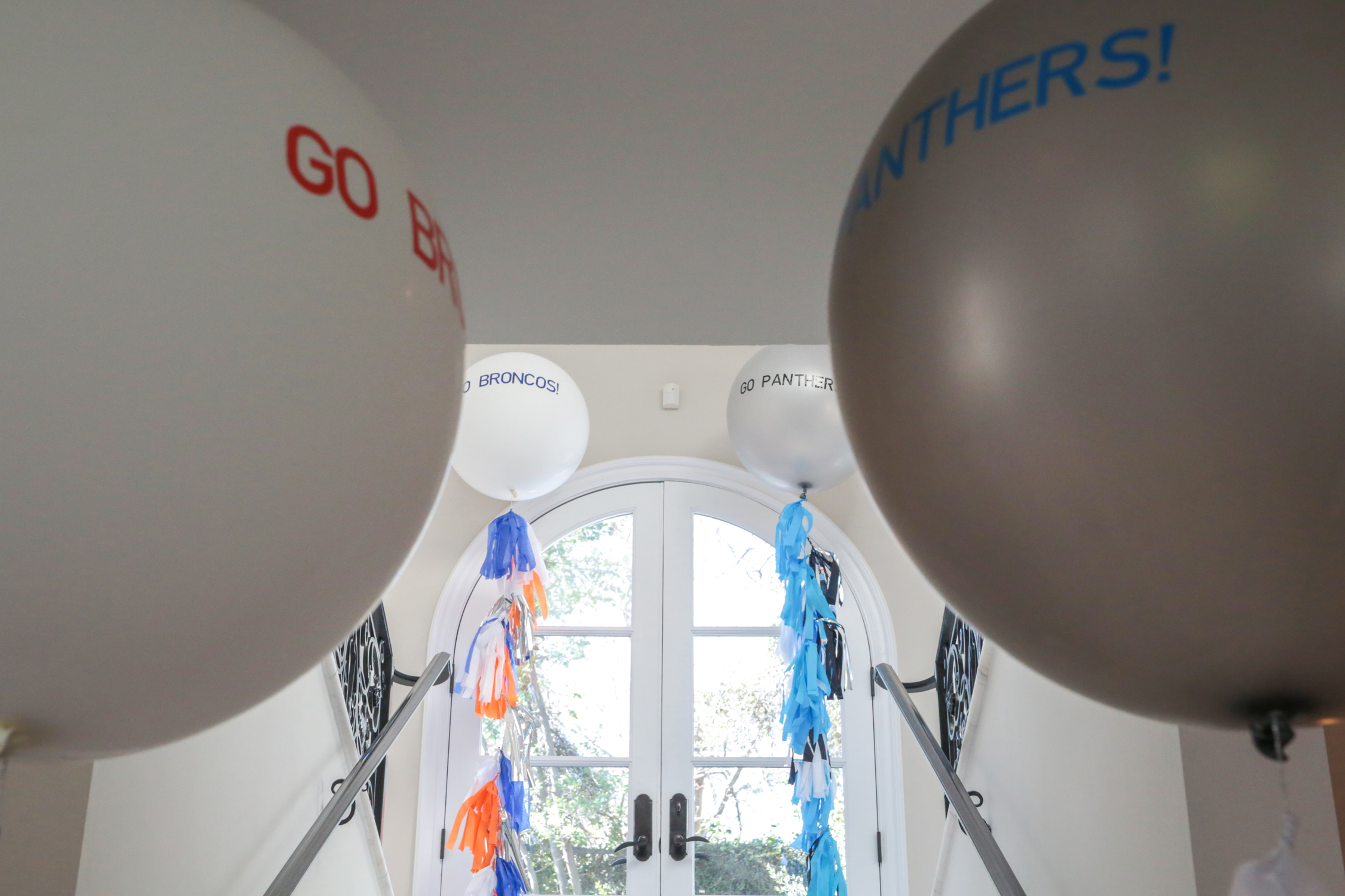 tarynco-football-party-event-balloons.jpg
