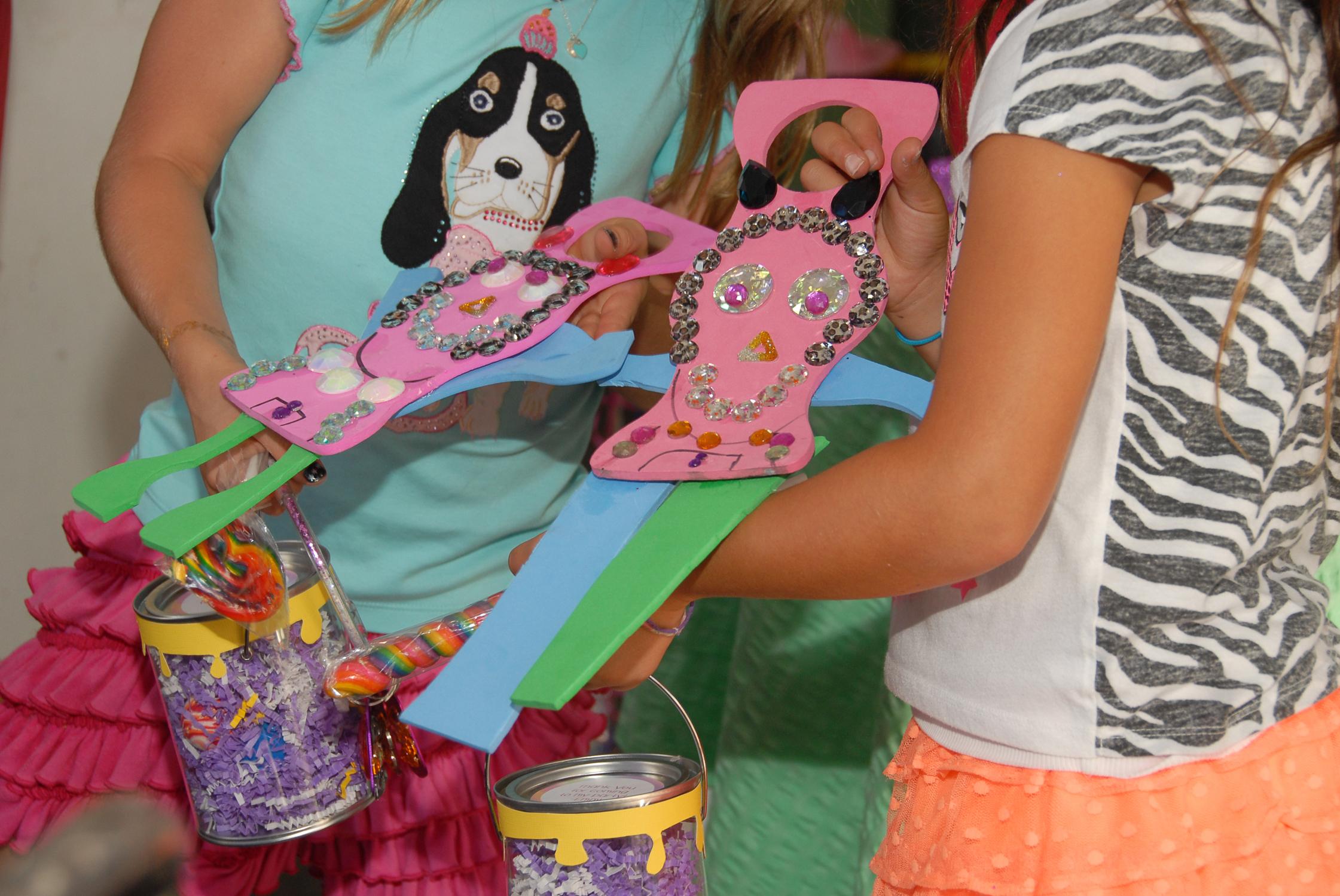 tarynco-events-kids-party-art-carnival-themed-artandcrafts.jpg