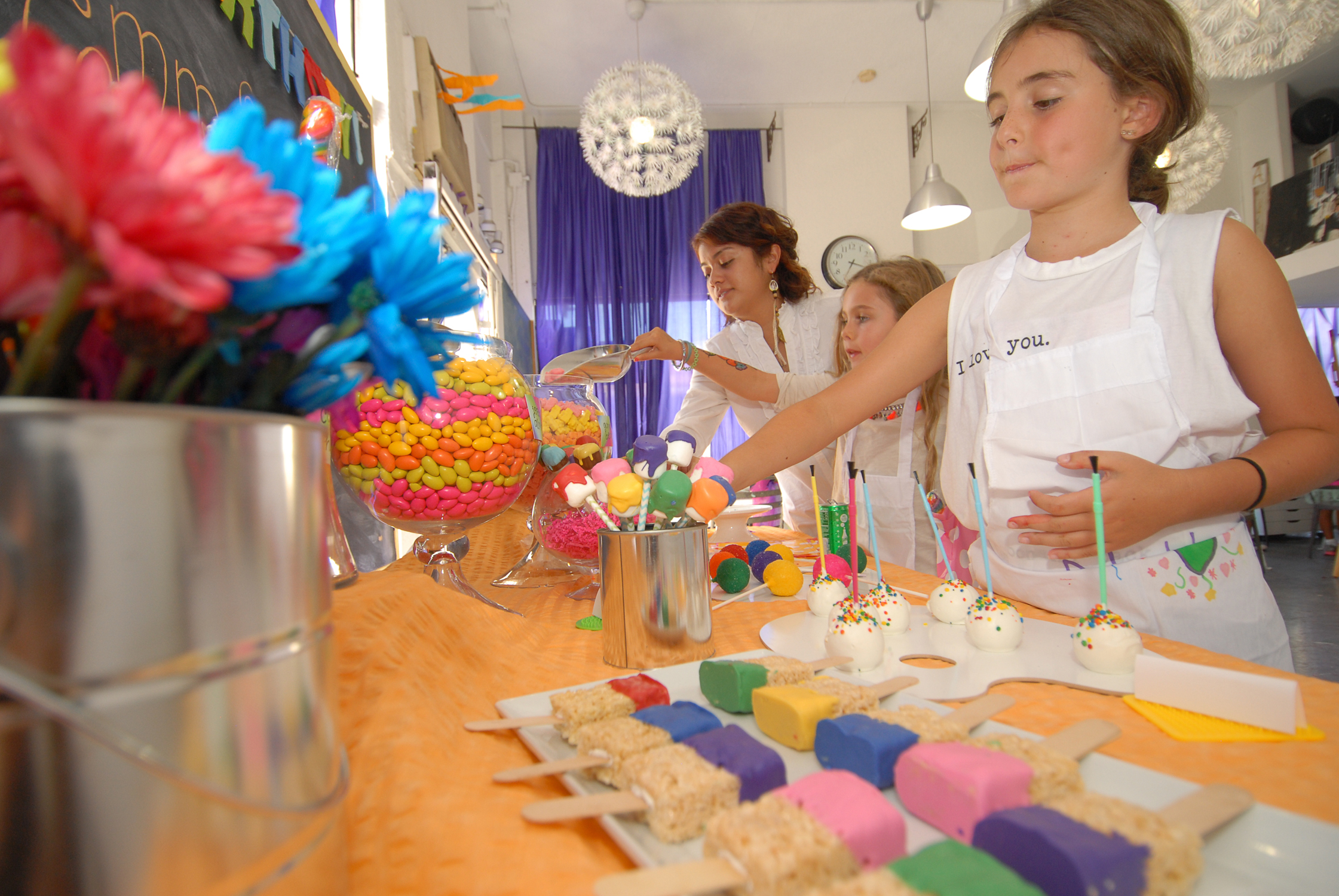 tarynco-events-kids-party-art-carnival-themed-candy-station-bar.jpg