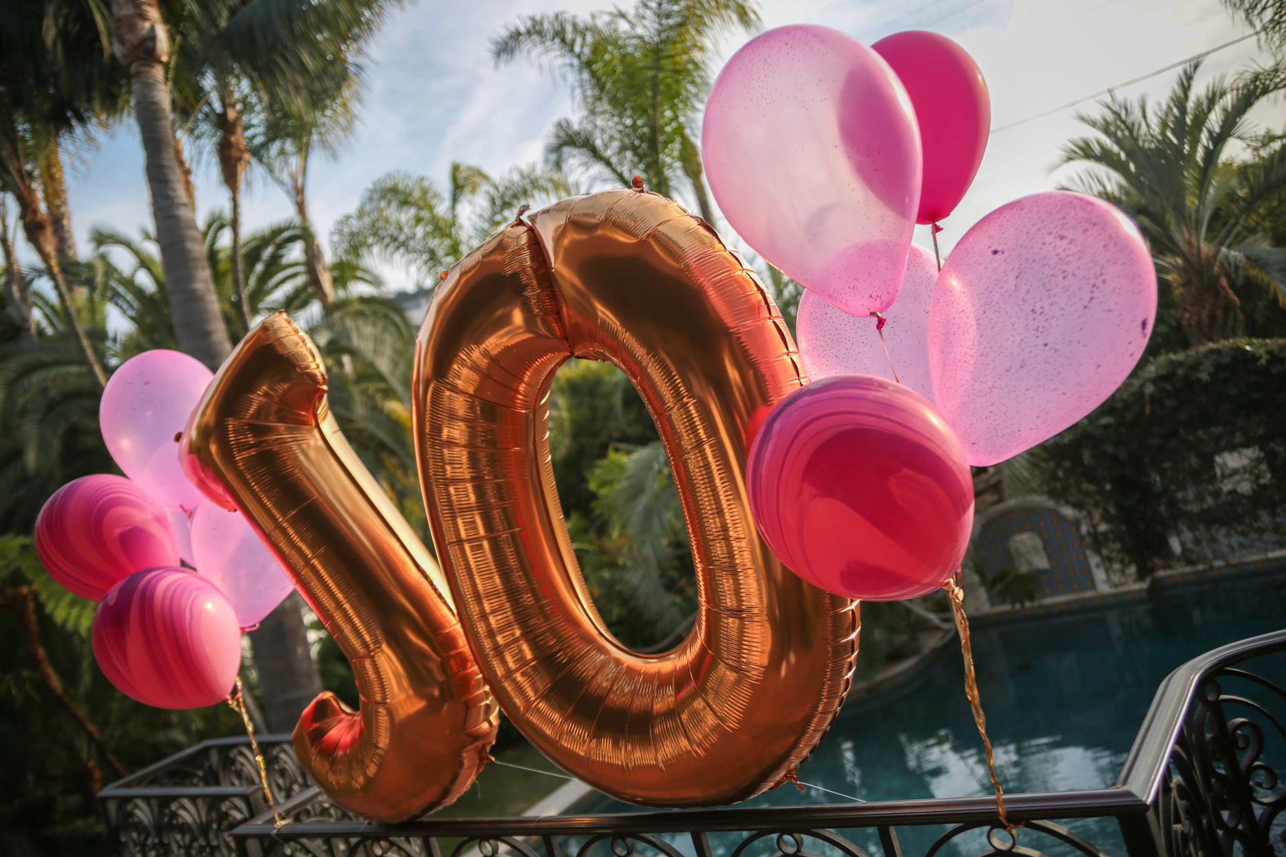 tarynco.gold.letter.balloons.birthday.party.jpg