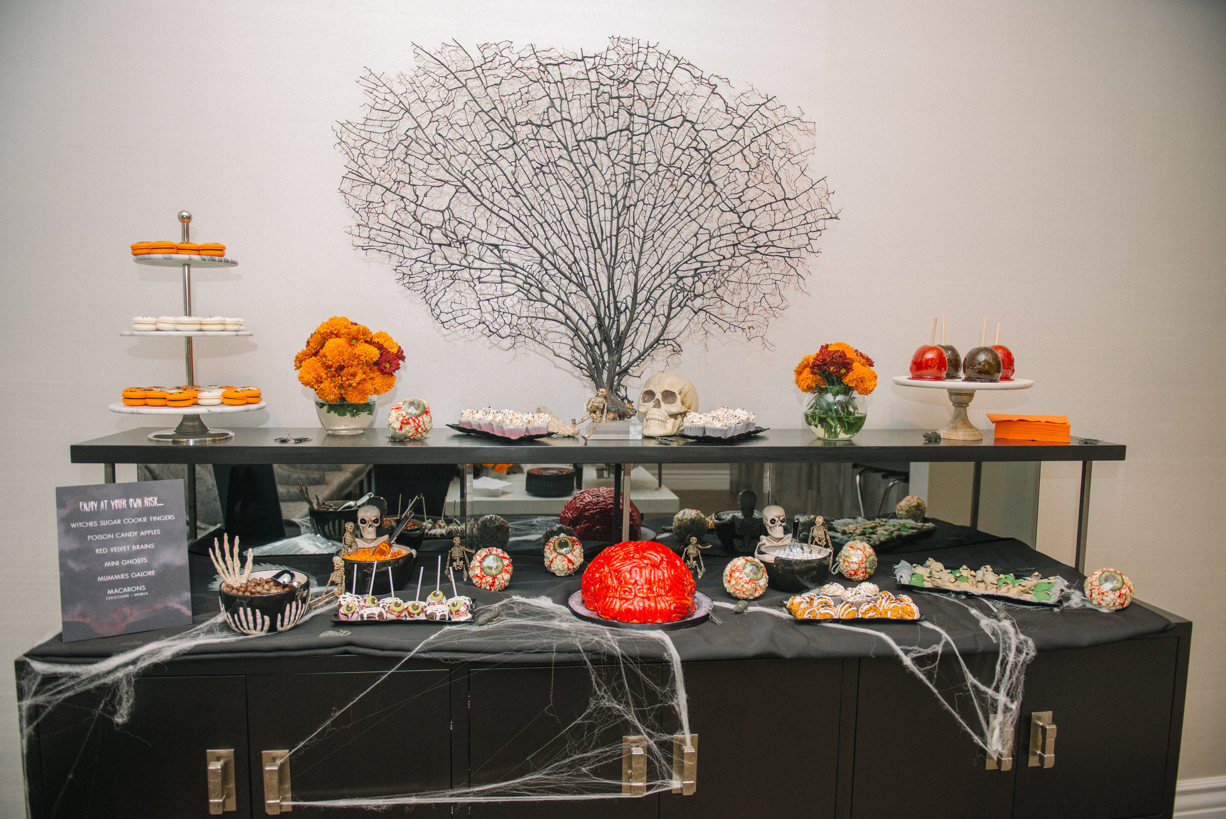 _tarynco_event_planner_Beverly_Hills_HalloweenParty.dessertbar.jpg