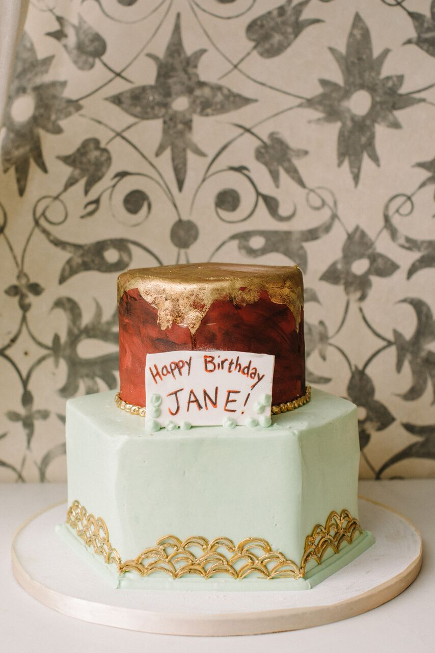 tarynco_dinnerparty.cake.decor.eventplanner.jpg