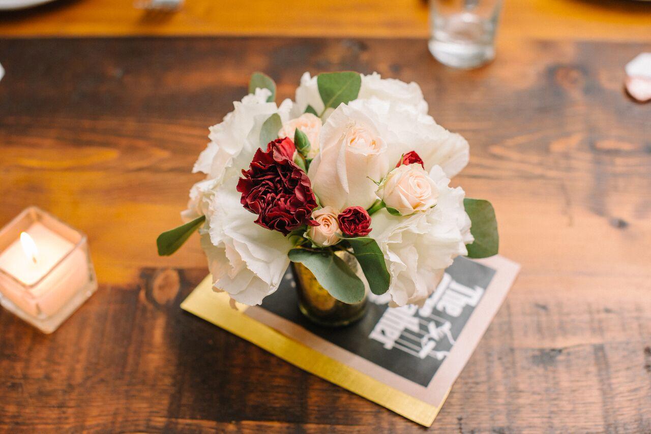 tarynco_dinnerparty.flowers.details.decor.eventplanner.jpg