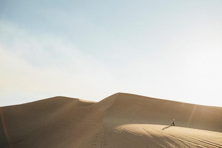 sand-dunes-engagement-01.jpg
