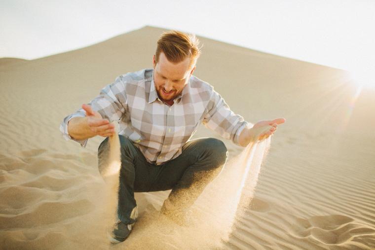 sand-dunes-engagement-12.jpg