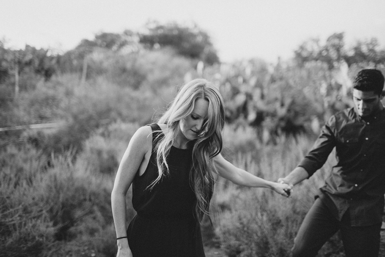 orange-county-ranch-engagement01.jpg