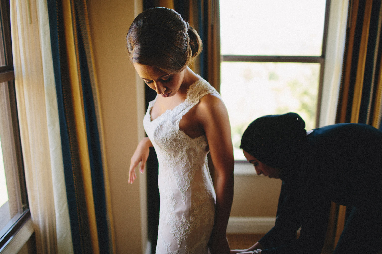 pandora_on_green_wedding_04.jpg
