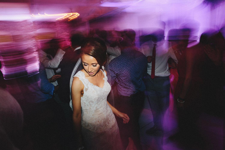 pandora_on_green_wedding_58.jpg