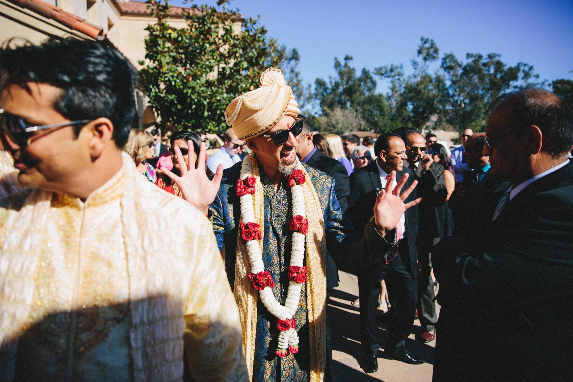 Modern-Indian-Serra-Plaza-wedding-039.jpg