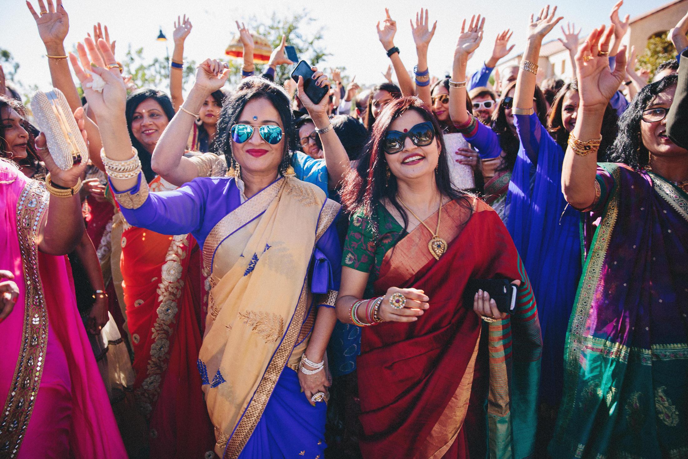 Modern-Indian-Serra-Plaza-wedding-040.jpg