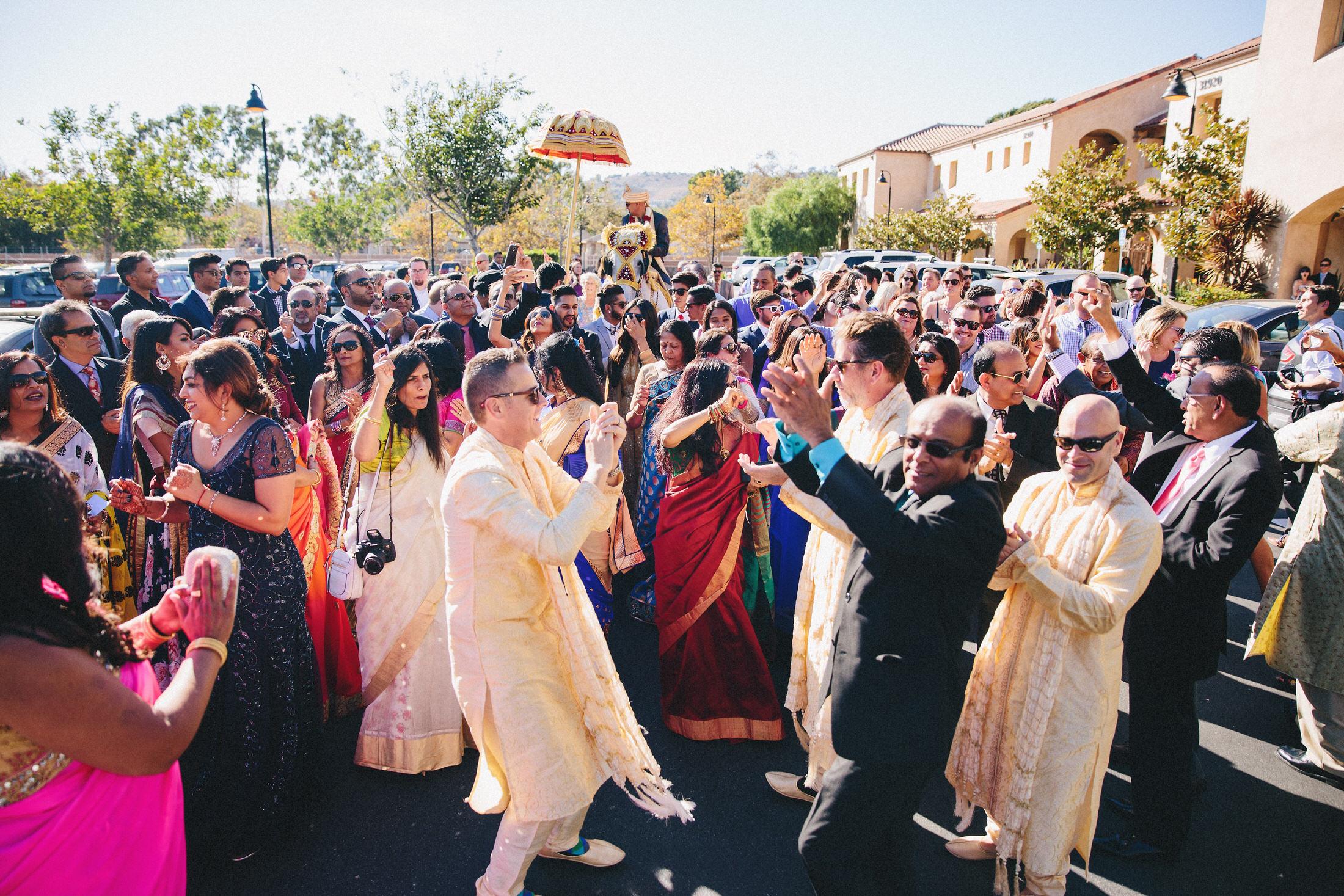Modern-Indian-Serra-Plaza-wedding-041.jpg