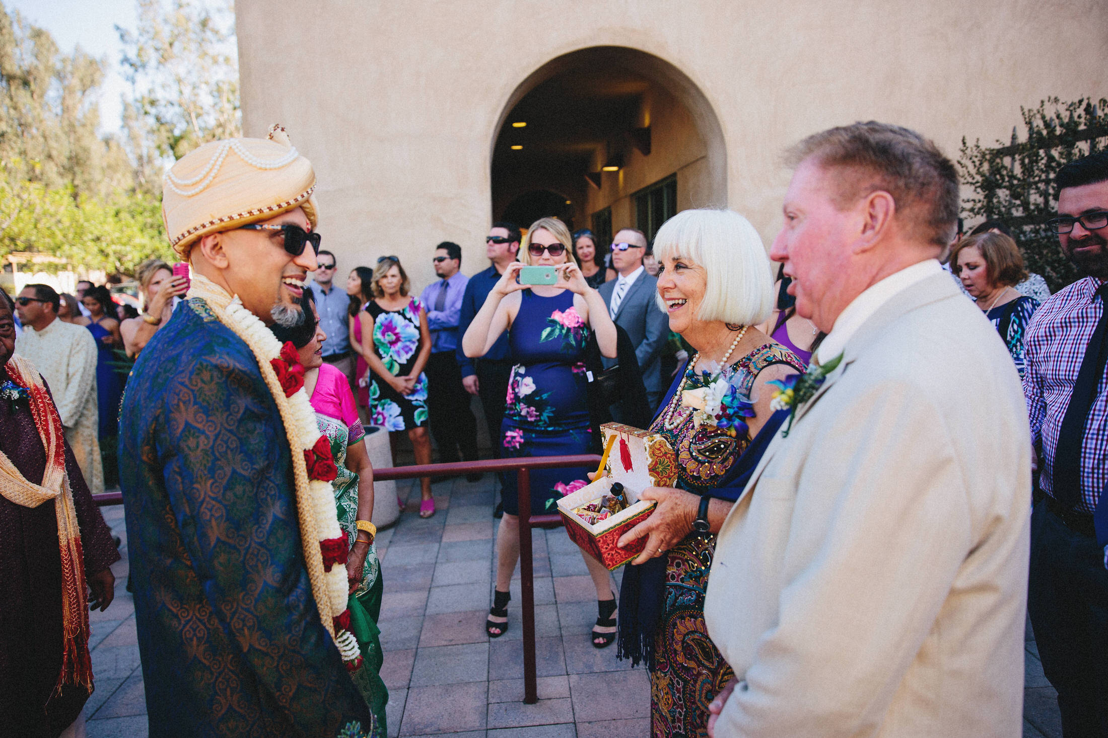 Modern-Indian-Serra-Plaza-wedding-043.jpg