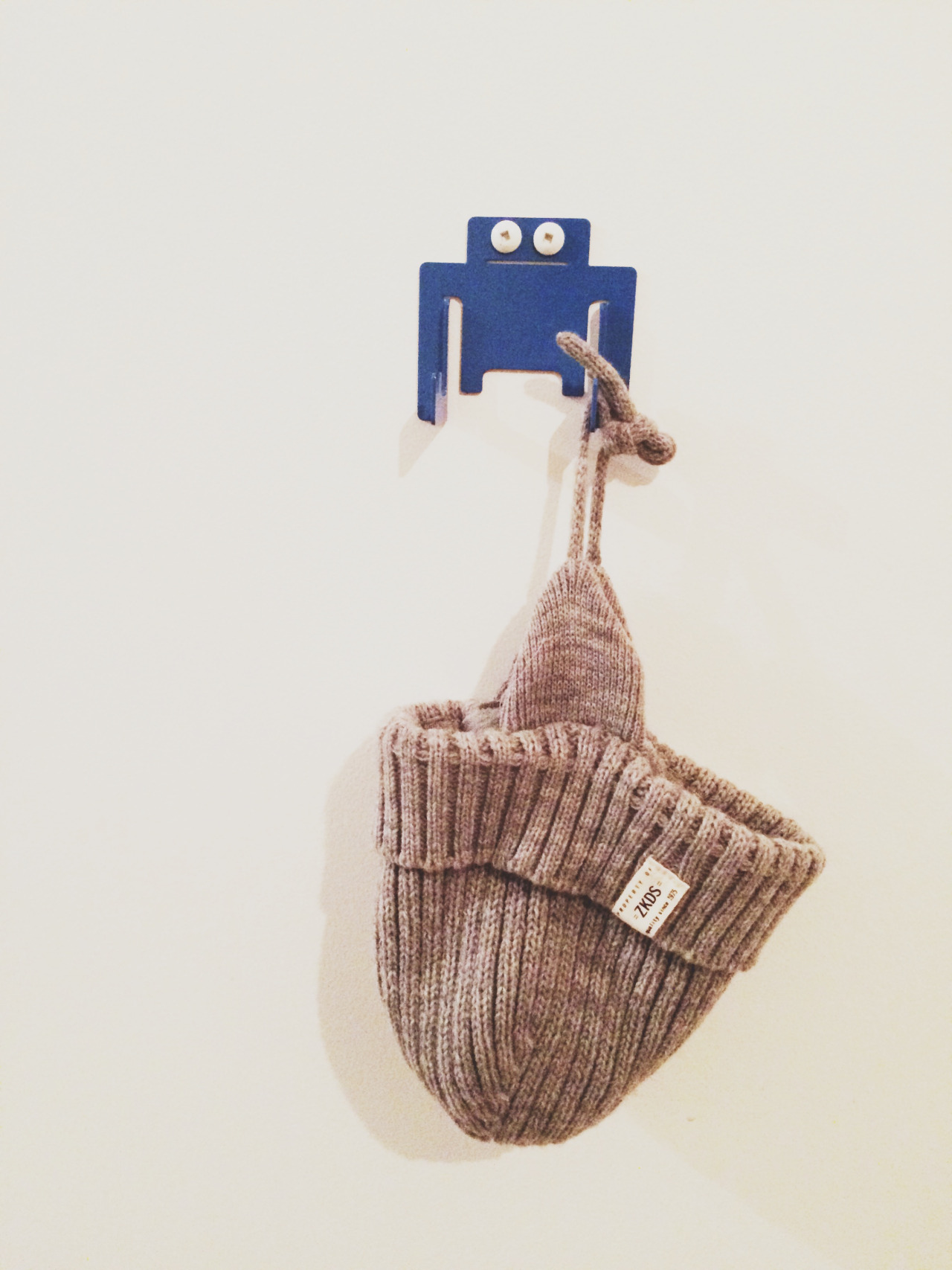 THE LITTLE THINGS   This hook makes me laugh. By Canadian company Paul Coconut (link  here ), this hook is not only cute it's perfect to hold those tiny accessories that always seem to be disappearing like hats or a favourite hoodie.   The petite hook is also great for utilizing un-used wall space.