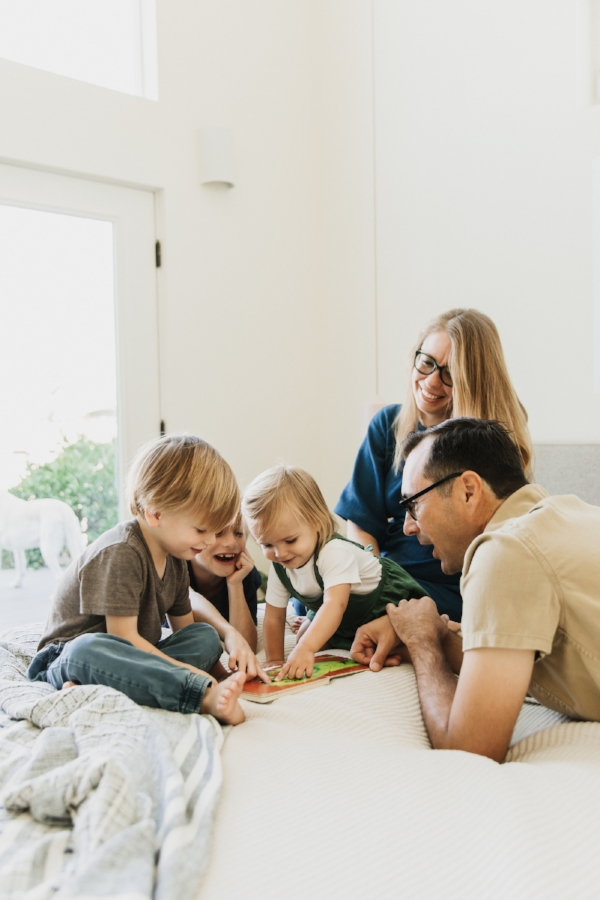 Beautiful Family of Kate  @adutchlife  | photo: @stacykeck | 600sqft.com Home Tour