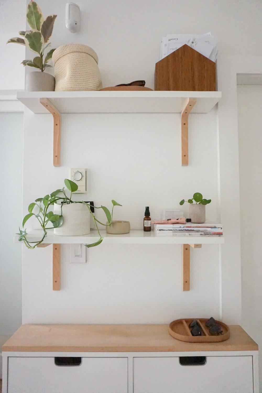 600sqft_clutter_small_entryway.jpg