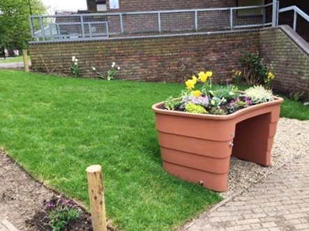 Wheelchair accessible gardening