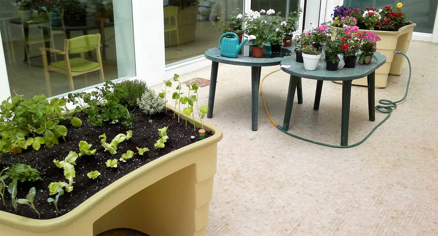 Accessible-Urban-City-Gardens-for-senior-assisted-living-homes-and-garden-communities
