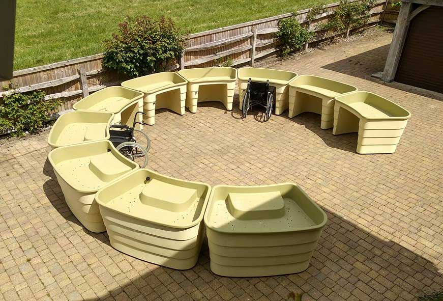 Wheelchair-accessible-Gardening,-green-circle-garden