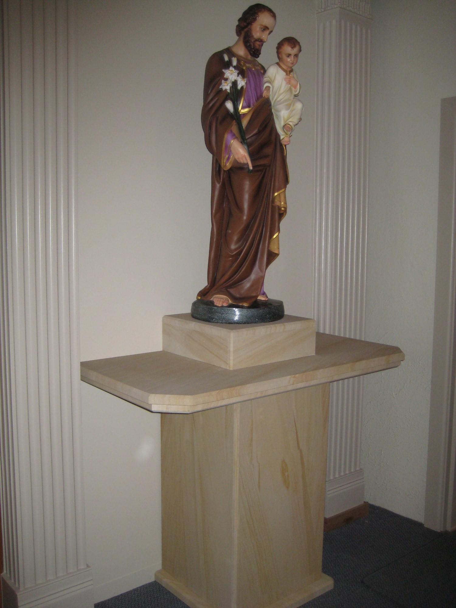 33. Woodgrain sandstone pedestal for churche. We make furniture to order