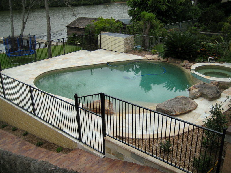 17. This is old Peblecreete pool renovated with YLQ quartzite. Bullnosed quartz pool cupping used