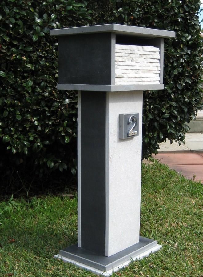 72. Bluestone,quartzite combination. 2 key aluminium back door , size 870x400x300 $750