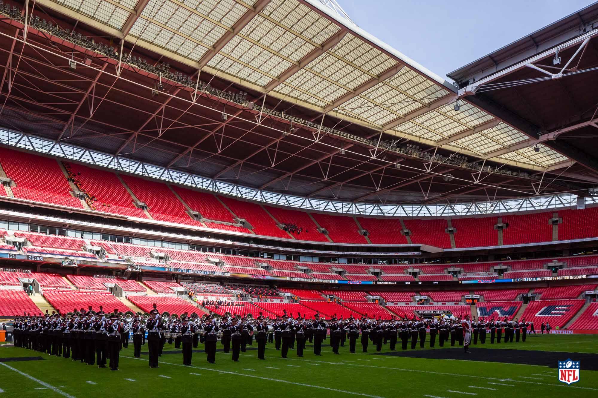 008_151025_London_Wembley_Game13_Decor_043010.jpg