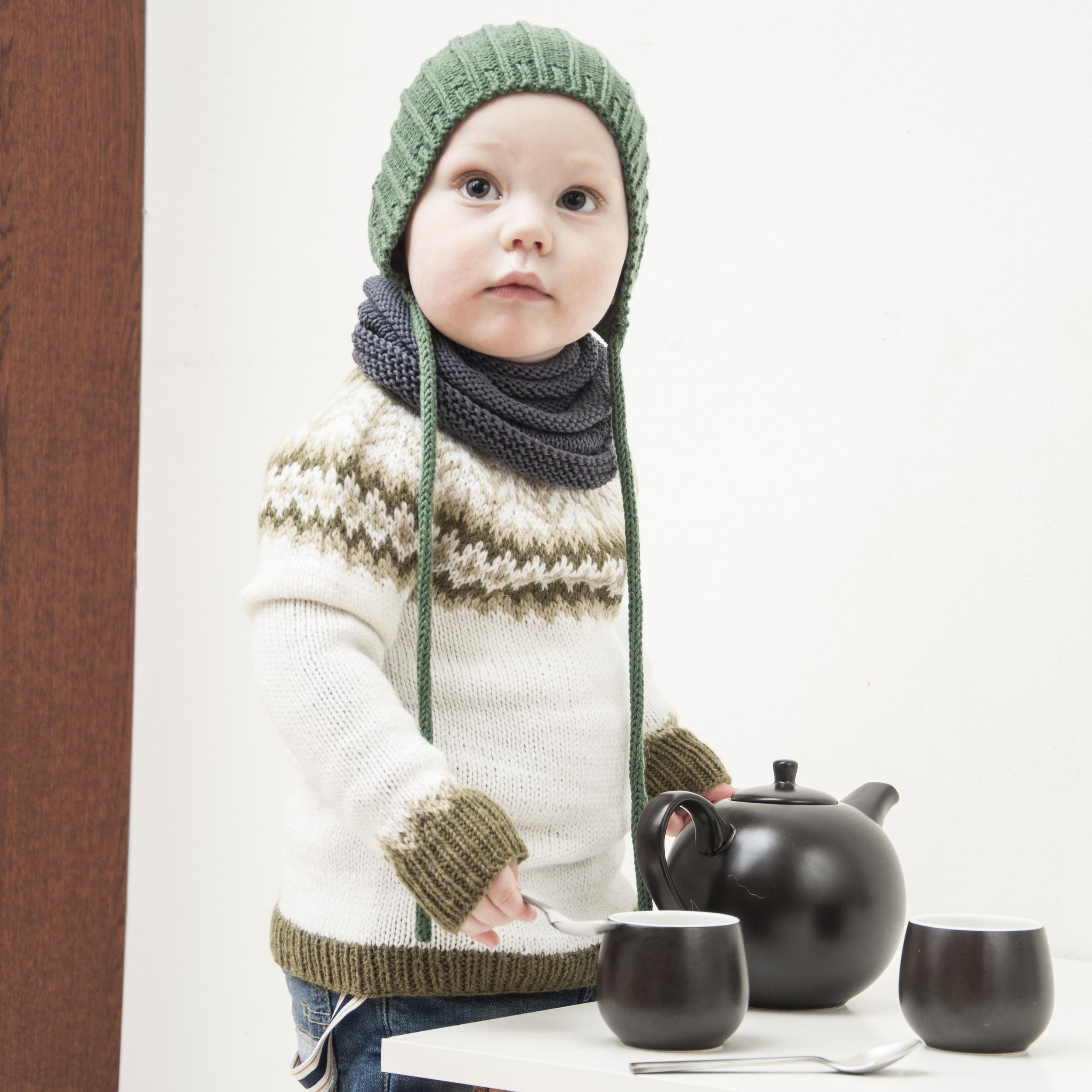 Emblagenseren passer til både store og små barn som er ferdig med drakter - og med  birkelue  til er vårantrekket perfekt.