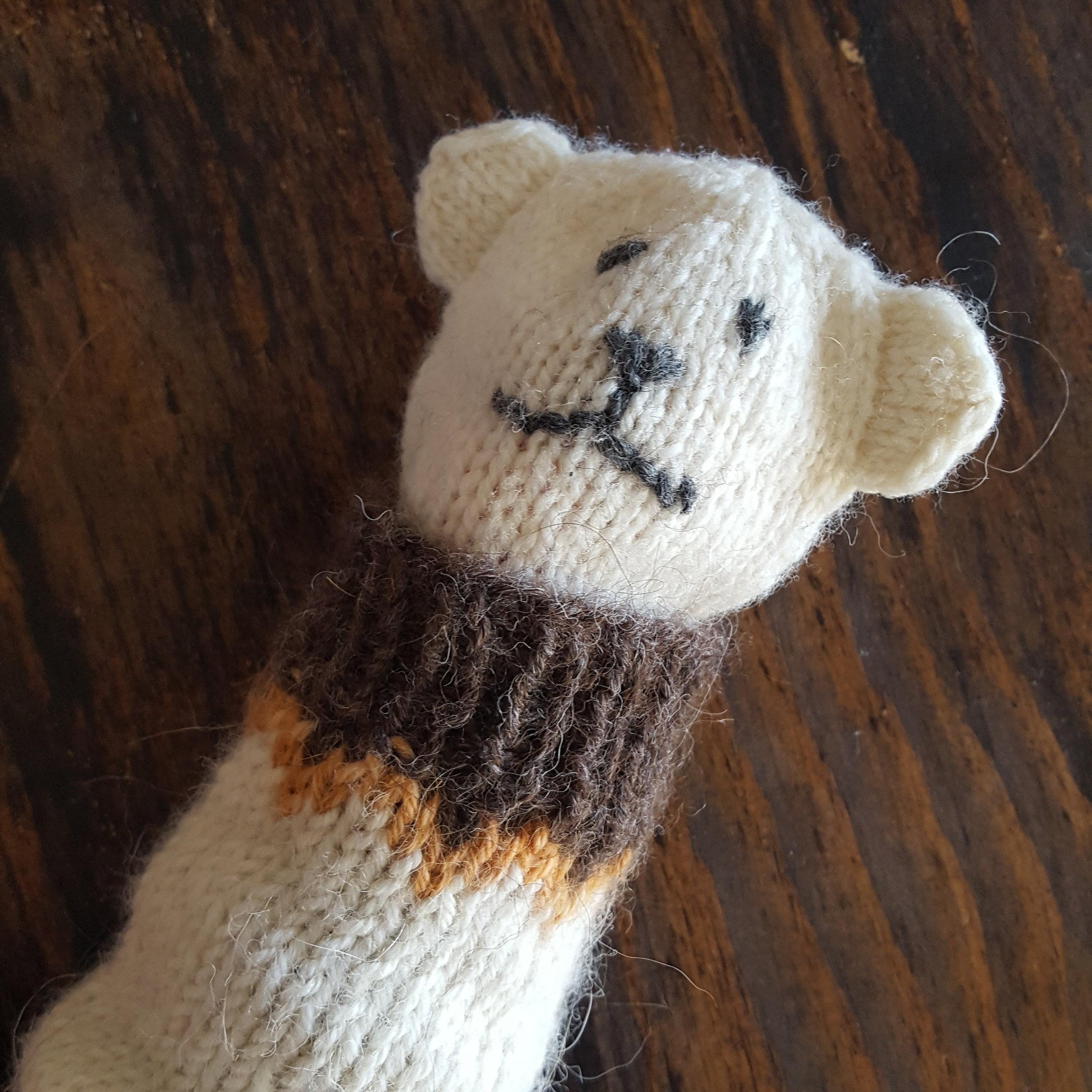 Disse var veldig populære! Dessverre var de strikket til lillesøster.. Men til vinteren skal begge to få, og jeg lover å dele oppskriften da!
