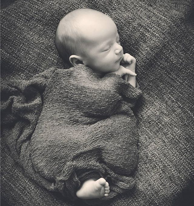 This little guy has grown so much since these were taken 😍❤ #newbornphotography #bwphotography #bwportrait