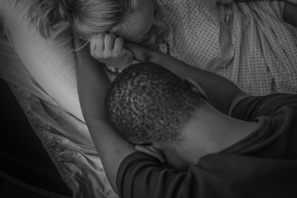 Julia Erz, Geburtsfotografin, zeigt Geburtsreportage aus Freiburg