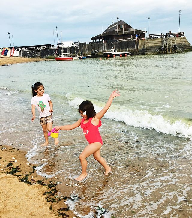 Happiness captured right here 👈 #summer #summerholidays #travel #travelblogger #lifestyle #lifestyleblogger #motherhood #childhood #kidsfashion #kidsstyle #momlife #mommy #family #familygoals #londonkids #londonmum #familytravel