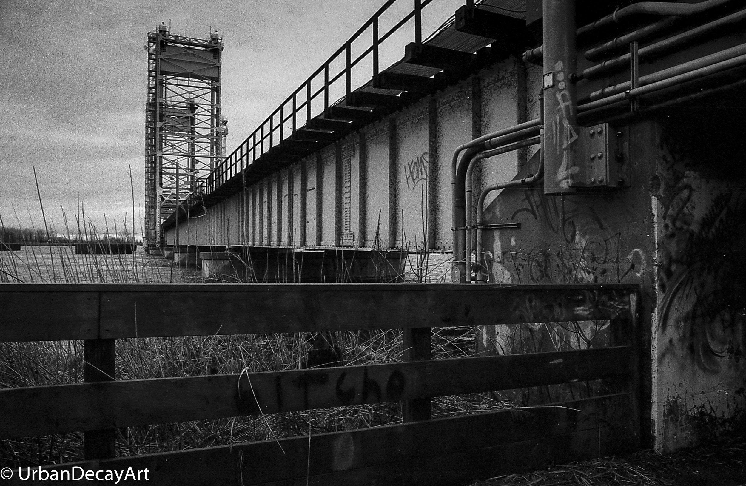 Draw Bridge Tri-x Ormstown