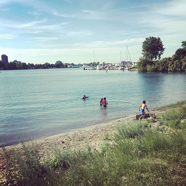on a beautiful Tuesday in May #dipndivedetroit #belleislebeach #public #swimmingforeveybody