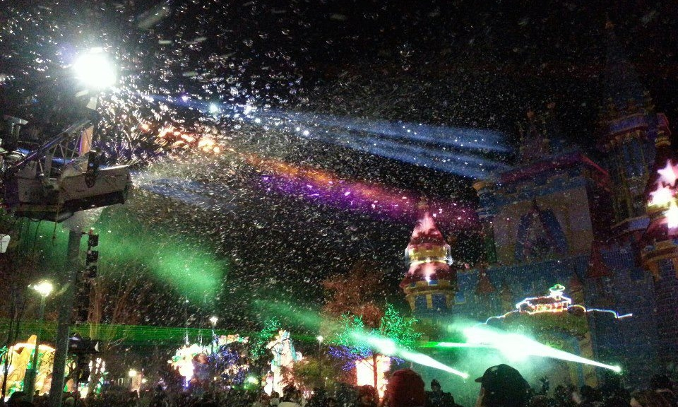 Snow, Bubbles, Laser Beams, Graphics and Moving-Head Lighting